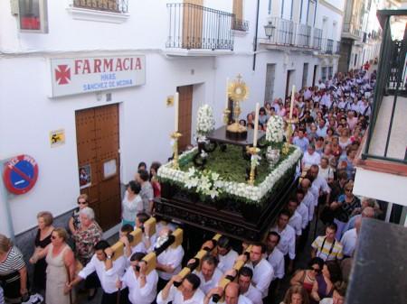 La procesión del Corpus, por la calle Botica (Foto: Merceditas)