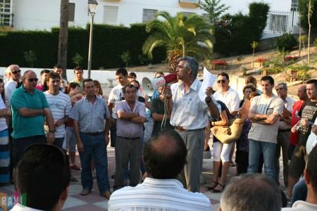 El secretario local de CCOO, Francisco Rubio, en la asamblea de petaqueros del 21 de junio de 2011 en el Jardín