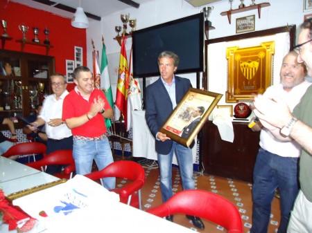 Homenaje al ex delegado del Sevilla FC Cristóbal Soria en la Peña Sevillista de Ubrique