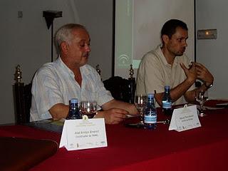 El alcalde de Ubrique, Manuel Toro, y el director conservador del Parque, Miguel Angel Maneiro (Foto: Paco Solano).