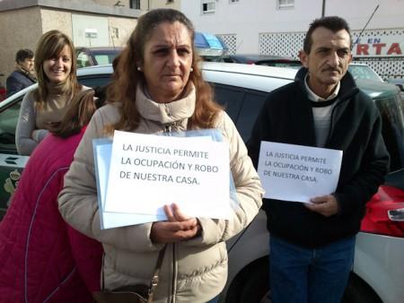 Protesta ante el Juzgado celebrada el lunes 19 de diciembre de 2011.