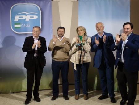 Participantes en el mitin del PP.