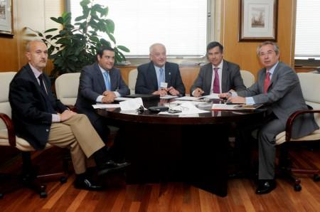 El alcalde de Ubrique y el presidente de Empiel, en la reunión en la Dirección General de Industria, en Madrid.