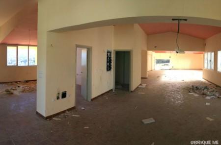 Estado de abandono del interior del Ecomuseo.