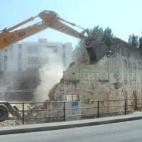 Destrucción de la antigua plaza de toros, el 10 de agosto de 2003.