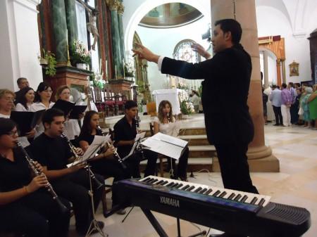 Actuación de la coral en la parroquia.