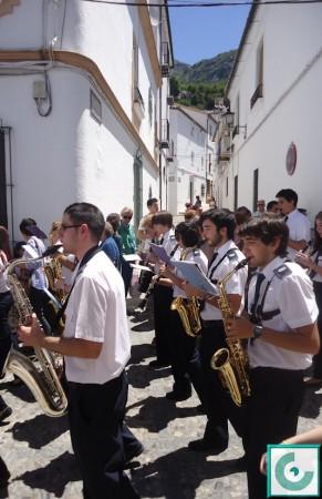 Acompañamiento musical de la Banda Municipal de Música.