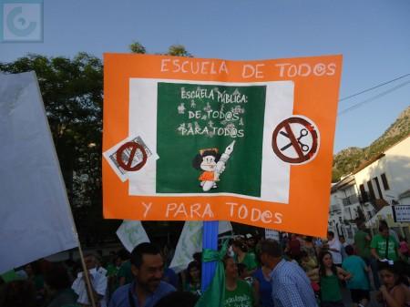 Una de las pancartas exhibidas.