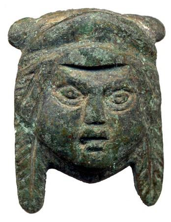 Pequeño bronce hallado en la Muralla Ciclópea de Ocuri (Fotografía: Luis Javier Guerrero).
