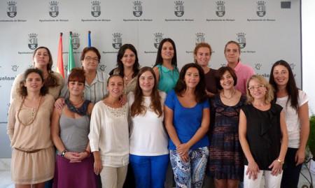 Participantes en el curso, con la edil Remedios González.