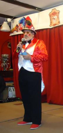 El presentador de la velada, Luis Miguel Fernández.