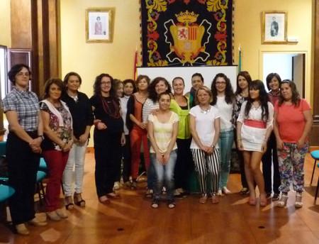 Participantes en el curso, con la concejal Remedios González (Foto: web municipal).