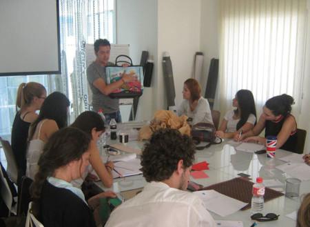 Una de las sesiones de diseño en piel.