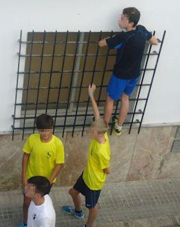 Adolescentes, en el recorrido del toro.