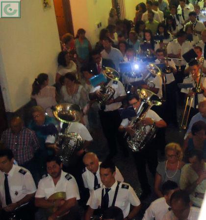 El acompañamiento musical de la procesión, a cargo de la Banda Municipal de Música, dirigida por Juan Pedro Viruez.