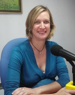Isabel Gómez, en una intervención en Radio Ubrique.
