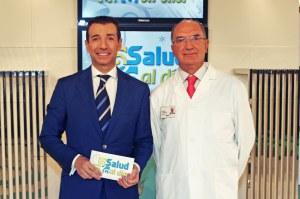 Roberto Sánchez Benítez junto al doctor Antonio Rodríguez Carrión.