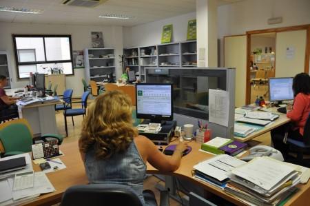Oficina conectada a internet.