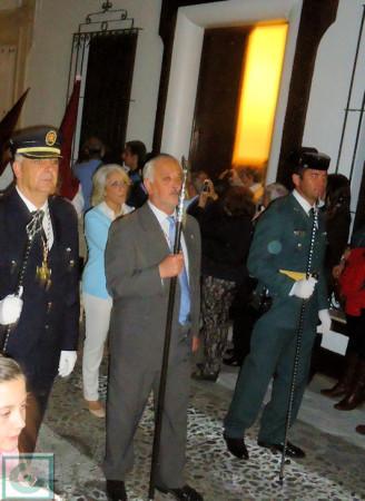 El alcalde, Manuel Toro, con los jefes de Policía Local y Guardia Civil.