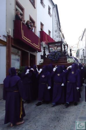 El Santo Entierro, por la calle del Agua.
