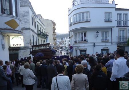 La procesión, entrando en la calle San Sebastián.