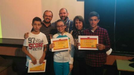 Juan García, María García y Miguel Ángel Rubiales. En segundo plano, los profesores Fran García, Juan Mancilla e Isabel Olmedo