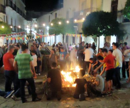 Crujida de gamones en la Plaza de la Verdura.