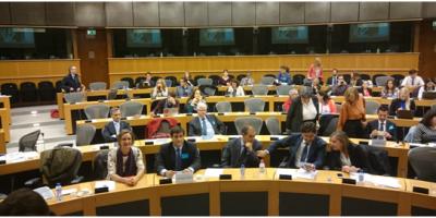 José Pulido e Isabel Gómez, en el Parlamento europeo.