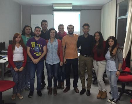 Participantes en el curso, con el concejal de Juventud (Foto: web municipal).