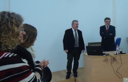 El doctorando, Antonio Morales Benítez, con el director de su tesis doctoral, Alberto Ramos Santana.