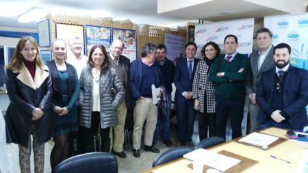 Andrés Morales, con representantes de asociaciones de comerciantes del resto de la provincia.