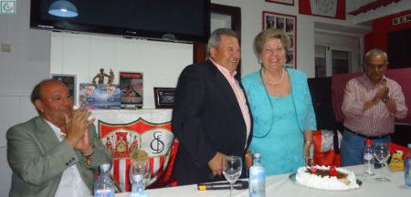Enrique Lora y esposa.