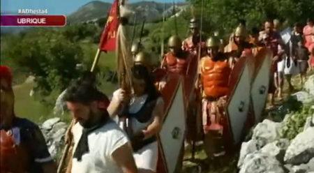 Captura dle reportaje sobre la bajada romana, de Canal Sur Tv (difundido por Ubrique.Tv).