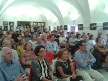 Asistentes al acto (Foto: Paco Solano).