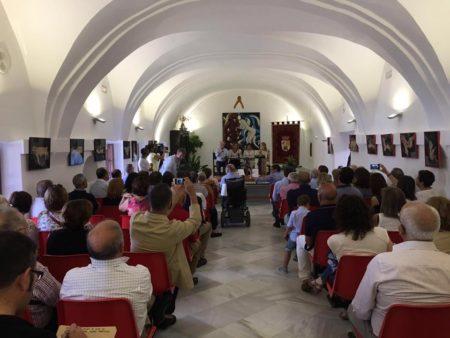 Asistentes al acto (Foto: Facebook de isabel Gómez García).