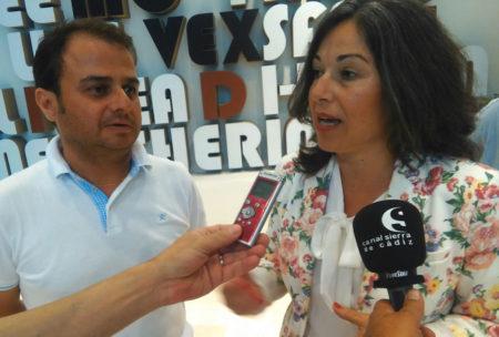 La diputada provincial andalucista Maribel Peinado y el presidente de Movex, Cristóbal de Piña.