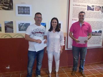 Entrega del primer premio a Manuel Castro Rodríguez.
