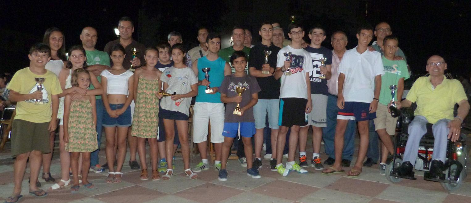 Francisco rosado gana el torneo de ajedrez de verano for Ajedrea de jardin