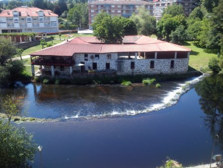 Museo de la piel de Allariz (Orense), en lo que fue una antigua tenería junto al río Arnoia (Foto: PEdro Bohórquez).