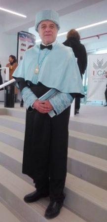 Antonio Morales Benítez, investido como doctor en Historia.