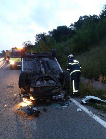 Uno de los vehículos accidentados.