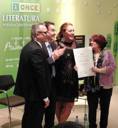 Entrega del premio (Foto del blog de la autora).