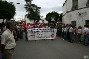 Manifestación de trabajadores de la piel al comienzo de la avenida de España (Foto: Rami)
