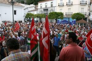 Manifestantes, en la Plaza del Ayuntamiento, el 9 de junio de 2011 (Foto: Rami)