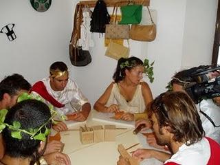 Concursantes de 'Andalucía a hierro', en el Museo de la Piel (Foto: Paco Solano).