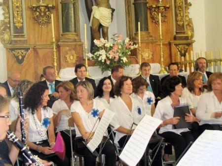 La Coral Polifónica de la Escuela Municipal de Música, en la parroquia de Ubrique el 8 de septiembre de 2011.