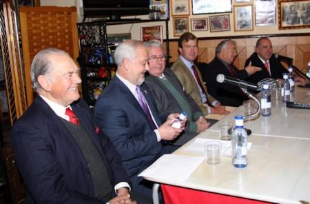 Integrantes de la mesa presidencial del acto.