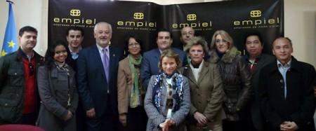 La delegación indonesia, con miembros de Empiel y del Ayuntamiento de Ubrique.