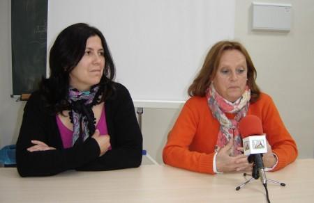 María Agüera, con Belén Martínez.