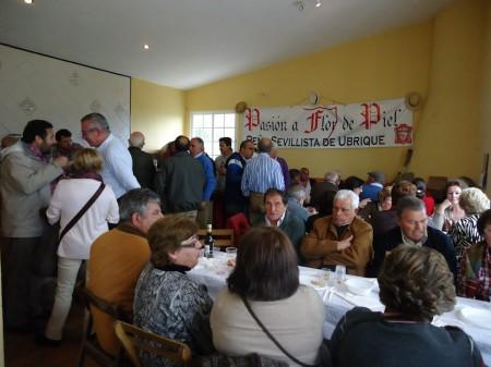 Almuerzo de hermanamiento celebrado en el centro de recepción de Ocuri.